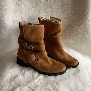 NWOT Sorel leather fleece-lined waterproof boots